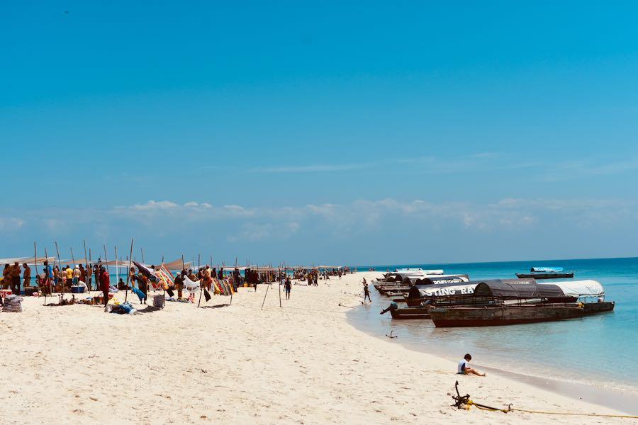 Dove e cosa mangiare a Zanzibar: Pranzi Zanzibarini Sulla Spiaggia Nakupenda