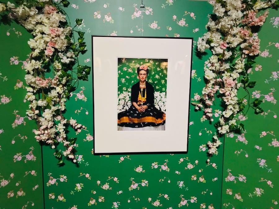 Frida Kahlo Through The Lens of Nickolas Muray - Mostra Fotografica Stupinigi: Frida Kahlo on White Bench