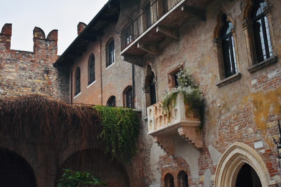 Cosa vedere a Verona e dintorni: Balcone di Giulietta e Romeo Verona