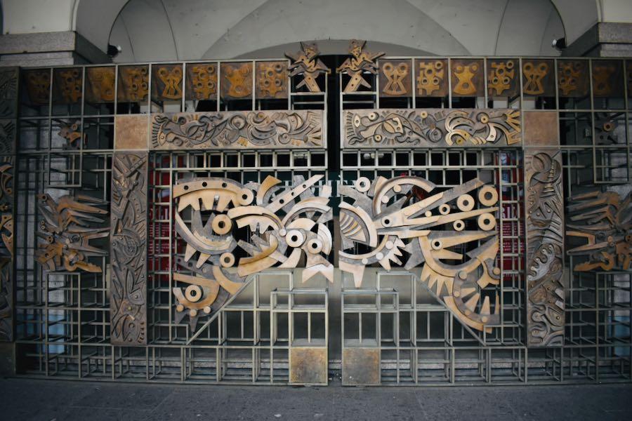 Portone Teatro Regio | Cose da vedere a Torino
