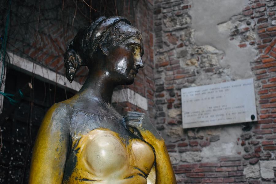 Cosa vedere a Verona e dintorni: Statua di Giulietta Verona