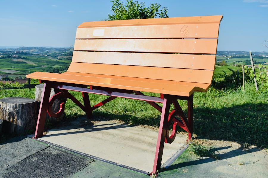 Langhe e Monferrato: Panchina Gigante #18 [Arancione - Costigliole D'Asti - Loc. Bricco Lu]
