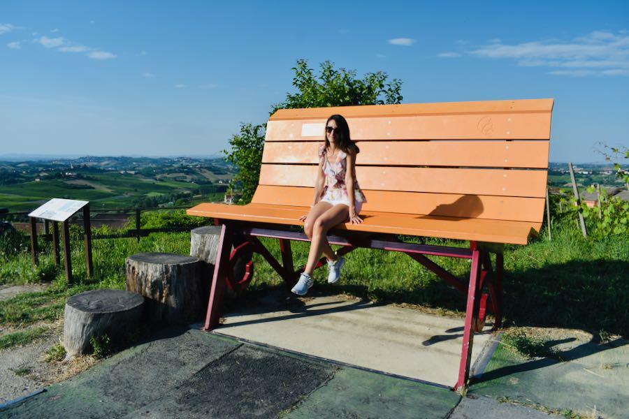 Langhe e Monferrato: Panchina Gigante #18 [Arancione - Costigliole D'Asti - Loc. Bricco Lù]