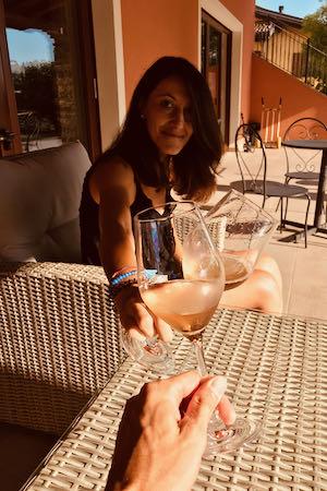 Brindisi con Pinot Grigio | Gigante Wine & Welcome (Corno Di Rosazzo)
