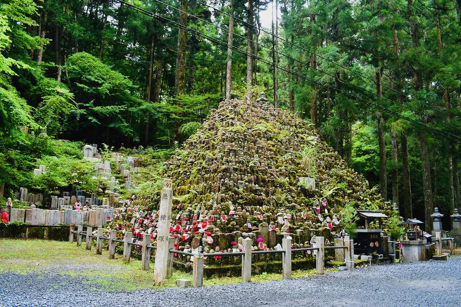 Cimitero di Oku-no-in (Koyasan)   Cosa Vedere In Giappone