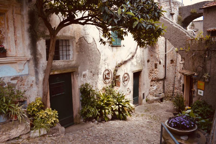 Verezzi Liguria | Borgata Crosa