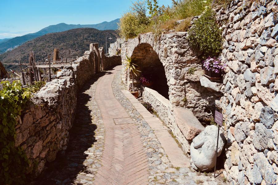 Verezzi Liguria | Borgata Roccaro