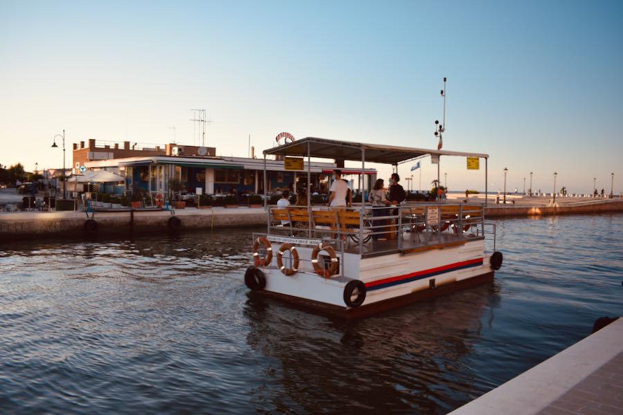 Attrazioni A Cesenatico   Traghetto Giovanna D'Arco