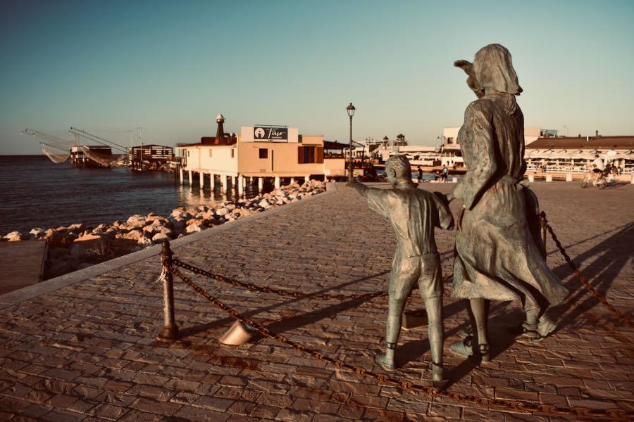 Cosa Vedere A Cesenatico   Piazza Spose Marinai